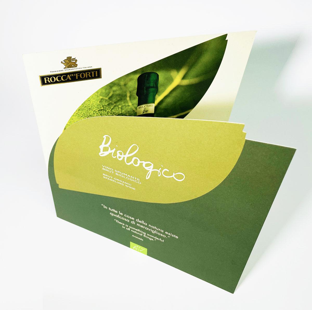 brochure fustellata con laminazione oro a caldocarta woodstock betulla